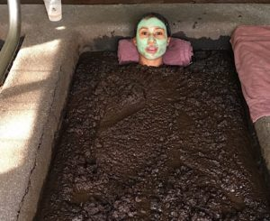 Mud_Therapy_Bath_Live_Lynnette_